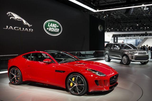 Jaguar запатентовал технологию, позволяющую взглядом управлять стеклоочистителями